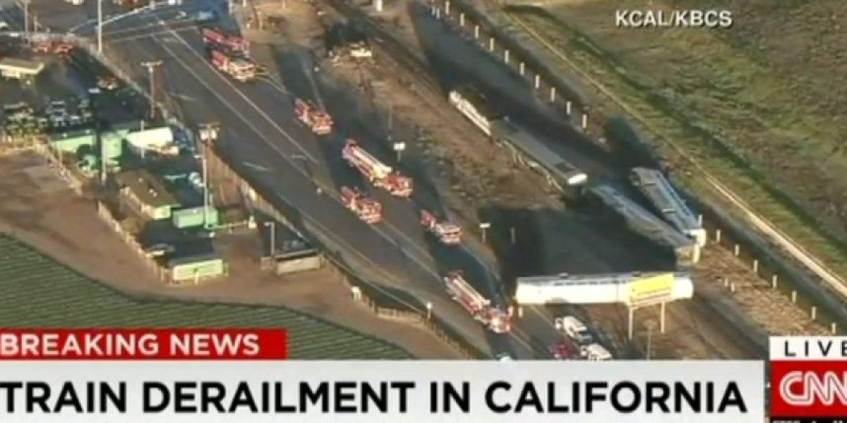 Tren de acercamiento se descarriló dejando al menos 30 heridos en California, EE.UU.