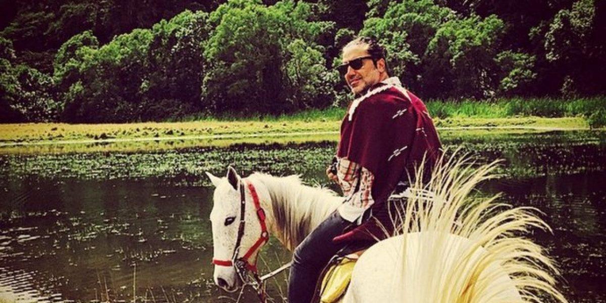 Desconocida robó la atención durante el show de Alejandro Fernández en Viña del Mar