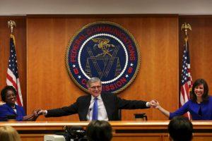 2. No Bloqueo: los proveedores de banda ancha pueden no bloquear el acceso al contenido legal, aplicaciones, servicios, o dispositivos que no sean nocivos, destaca la FCC en su página web. Foto:AFP. Imagen Por: