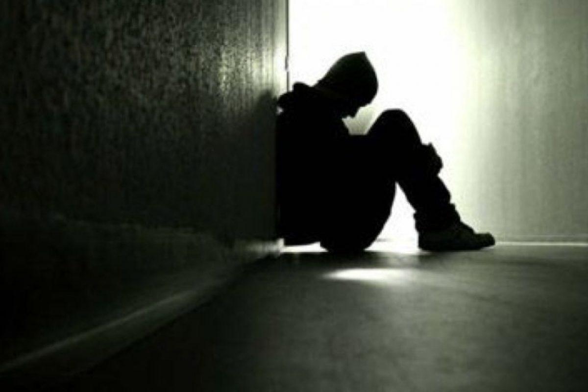 """""""No sé por qué pero mis padres simpre parecieron estar avergonzados de mí"""" Foto:Tumbr.com/Tagged-triste. Imagen Por:"""