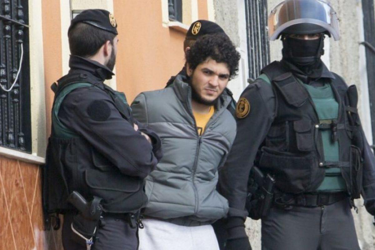 Una de las cuatro personas detenidas por supuestamente reclutar militantes para el grupo Estado Islámico en España Foto:AFP. Imagen Por:
