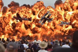 Pilotos realizan acrobacias en una exhibición en Australia Foto:AFP. Imagen Por: