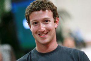 """Facebook tuvo una opción similar en 2011, pero era necesario buscar la opción de """"prevención del suicidio"""" en la red social y posteriormente cargar el post del amigo """"en problemas"""". Foto:Getty Images. Imagen Por:"""