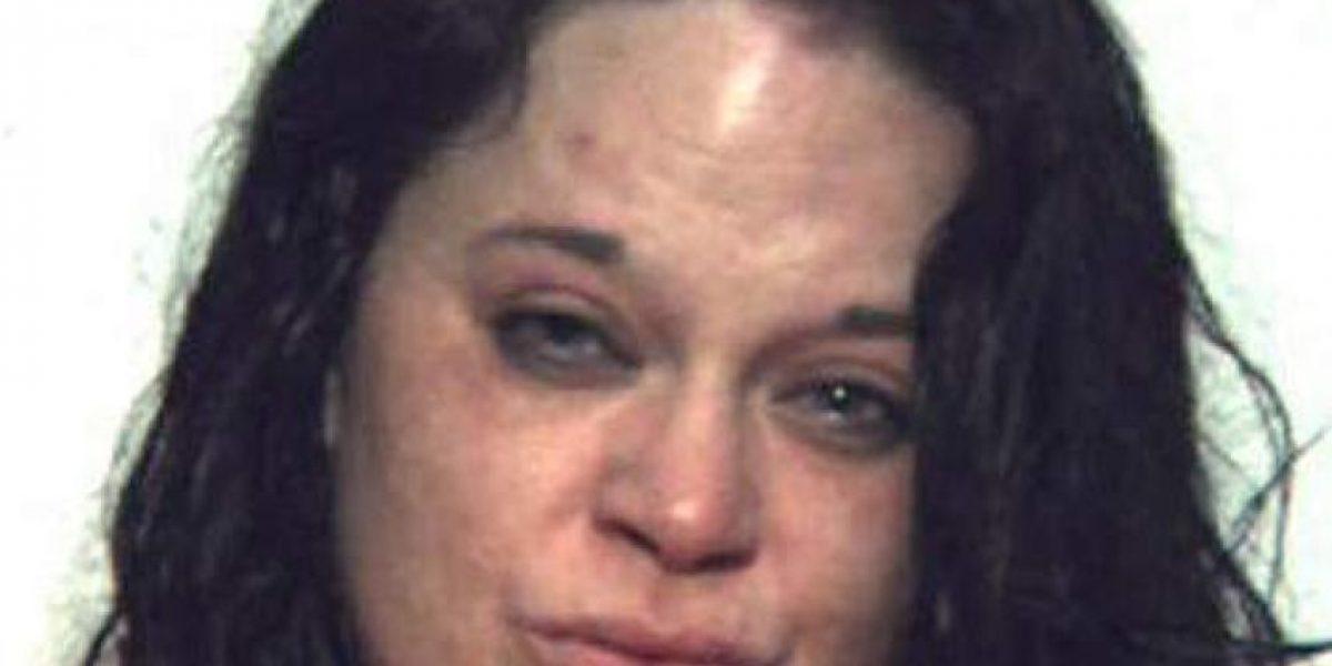 Arrestaron a mujer por llevar a su hijo de 7 años a una orgía mientras estaba borracha