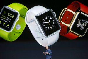 """""""Las notificaciones del Apple Watch llegan a tu muñeca de una manera nueva, directa y sutil. Y están diseñadas para que puedas atenderlas o descartarlas de la misma manera"""". Foto:Getty Images. Imagen Por:"""