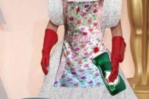 Los guantes lo arruinaron, aunque querían dar acentos en rojo. Foto:Twitter. Imagen Por: