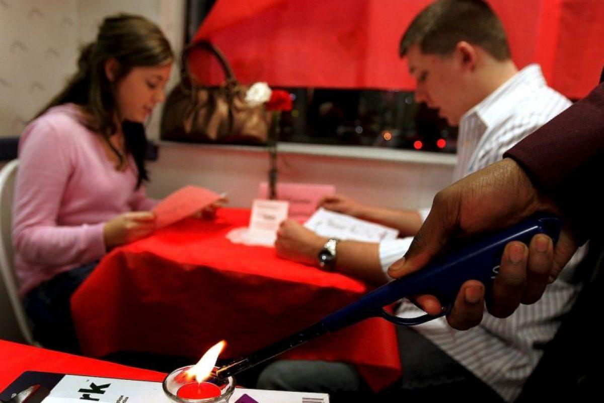 9. Podrás usar los tacones más altos que quieras, se compartió en Cosmopolitan. Foto:Tumblr.com/tagged-pareja-alto. Imagen Por: