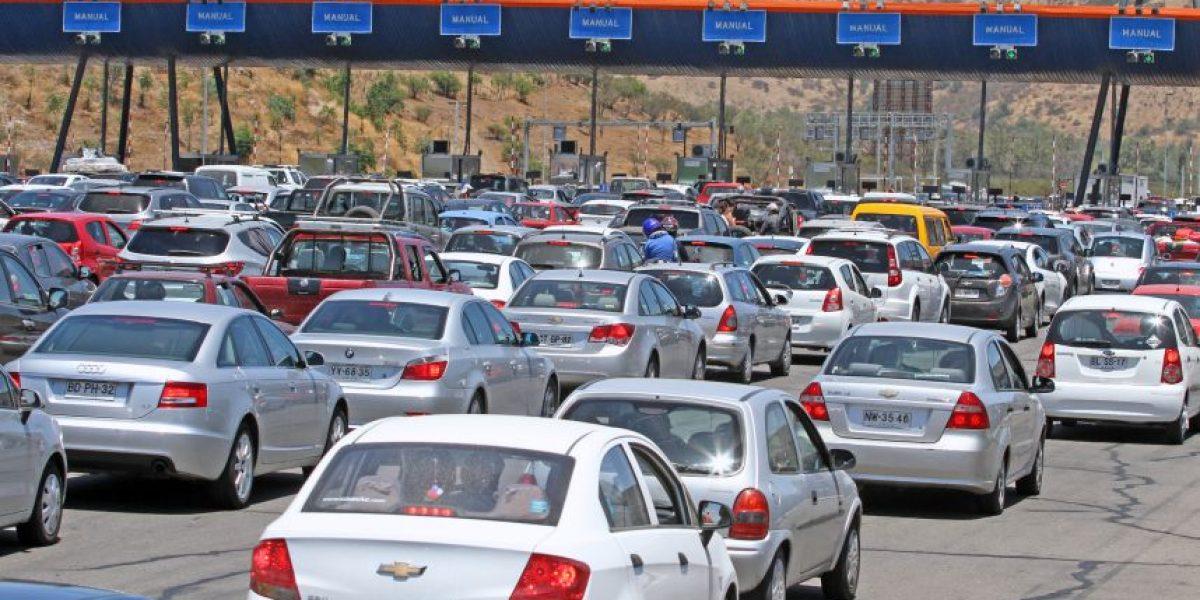"""""""Plan retorno"""": Se estima que 244 mil vehículos regresen este fin de semana a Santiago"""