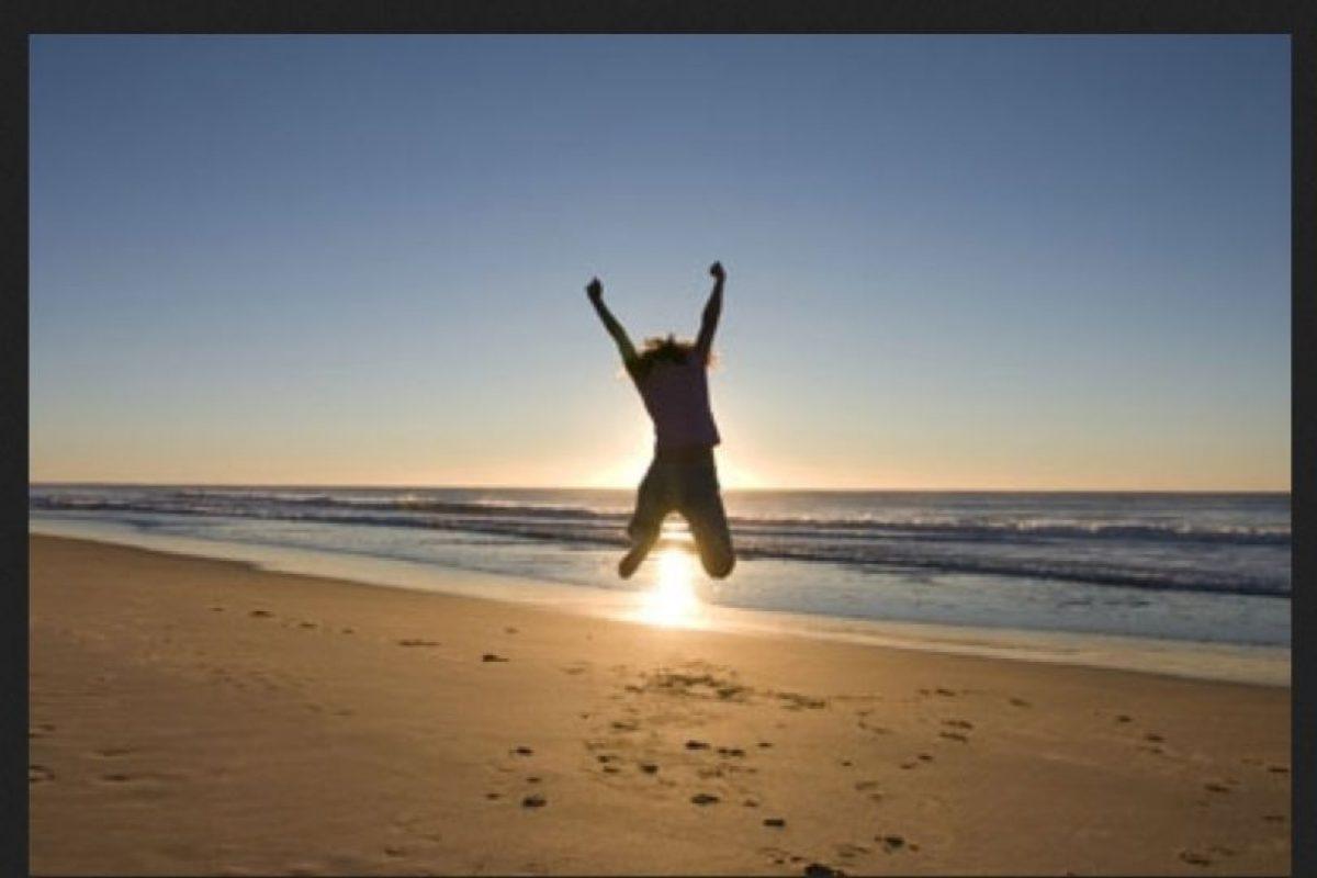 12. No te preguntes si ese bikini es el mejor para tu cuerpo. Un pareo siempre es la solución. Foto:Tumblr.com/tagged-feliz. Imagen Por: