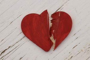 Una mujer posee un raro síndrome que hizo que la declararan clínicamente muerta 36 veces al año. Su corazón simplemente deja de latir. Foto:Getty Images. Imagen Por: