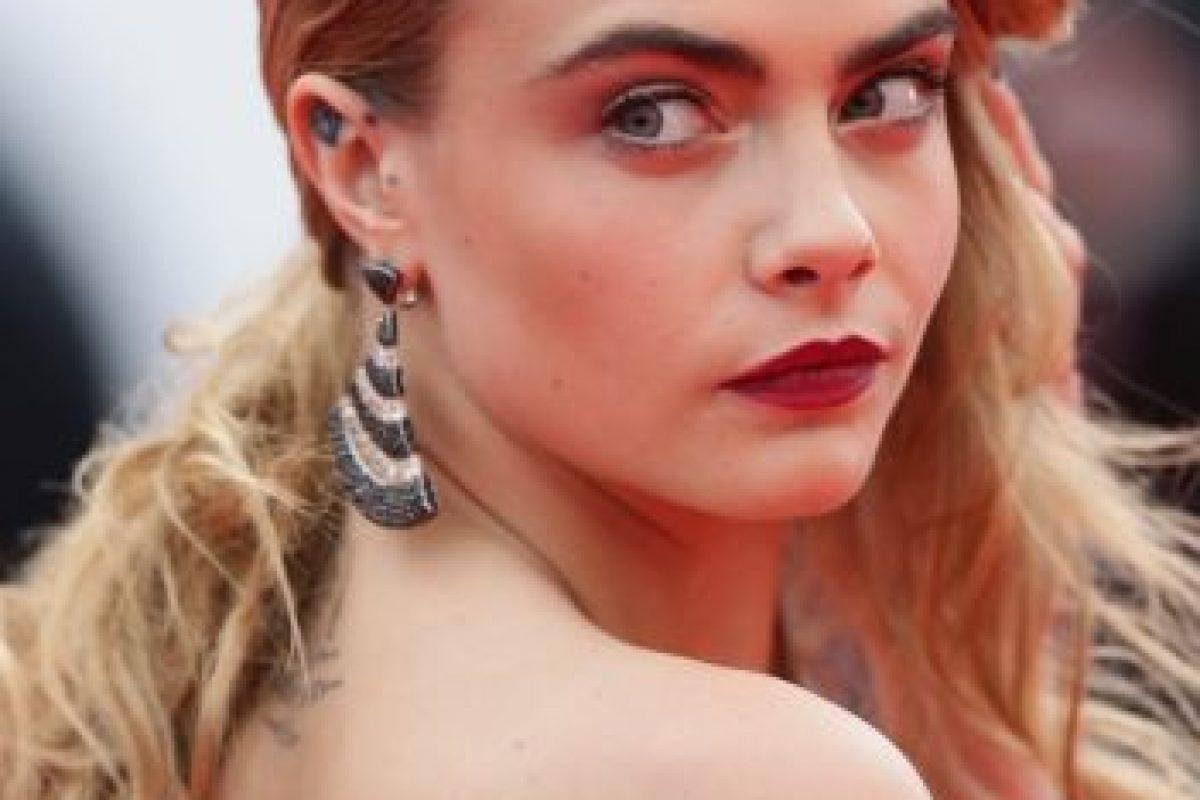 Cara Delevingne se ha hecho única en la moda por sus cejas. Foto:Getty Images. Imagen Por: