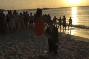 Por supuesto, ella dijo que sí. Foto:Youtube. Imagen Por: