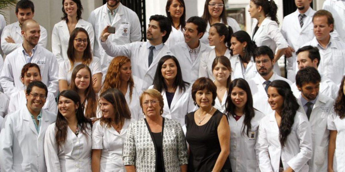 Más de 500 nuevos médicos ingresarán al sistema público de Salud en abril
