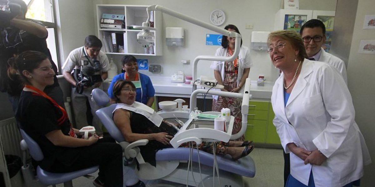 Bachelet cumplió un 48% de sus promesas en Salud durante el primer año de Gobierno