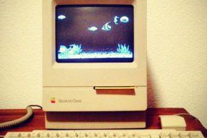 Contaba con un disquete de 3.5 pulgadas, sistema operativo System 6.0.7, memoria RAM de 1MB, ROM de 512K y batería de litio de 3.6V. Foto:instagram.com/tonirodries. Imagen Por: