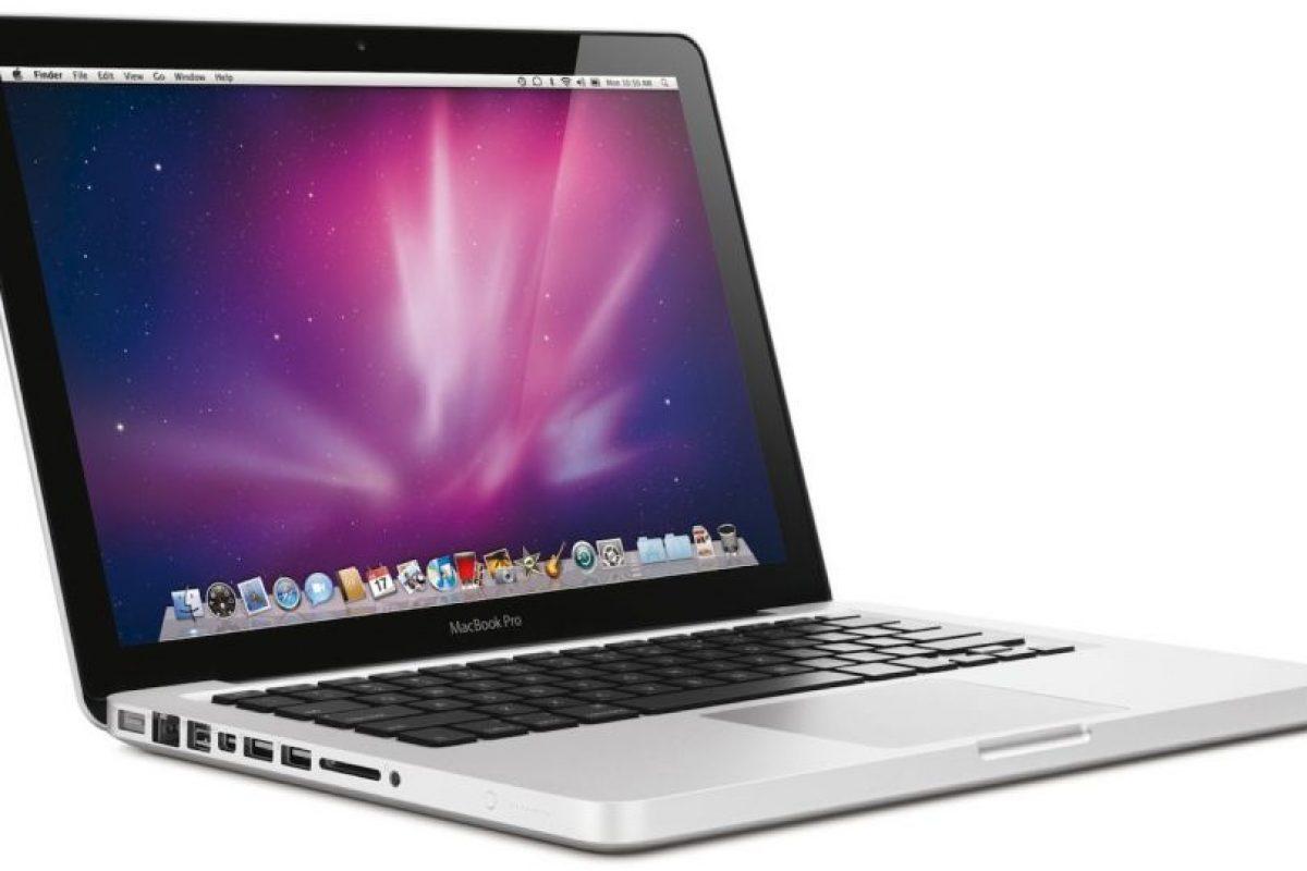 MacBook Pro (2006). Pantalla de 15 y 17 pulgadas puertos FireWire 400, tecnología Bluetooh y conectividad DVI. Foto:Apple. Imagen Por: