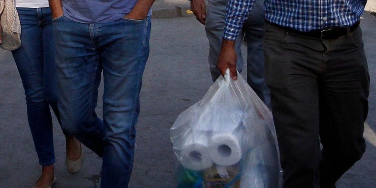Papel higiénico y galletas destacan entre los encargos enviados a los formalizados por Caso Penta