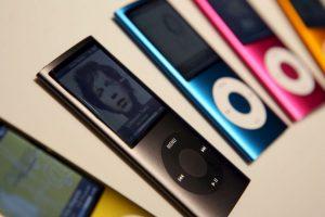 Los iPod fueron los primeros en incluir distintas gamas de colores Foto:Getty. Imagen Por:
