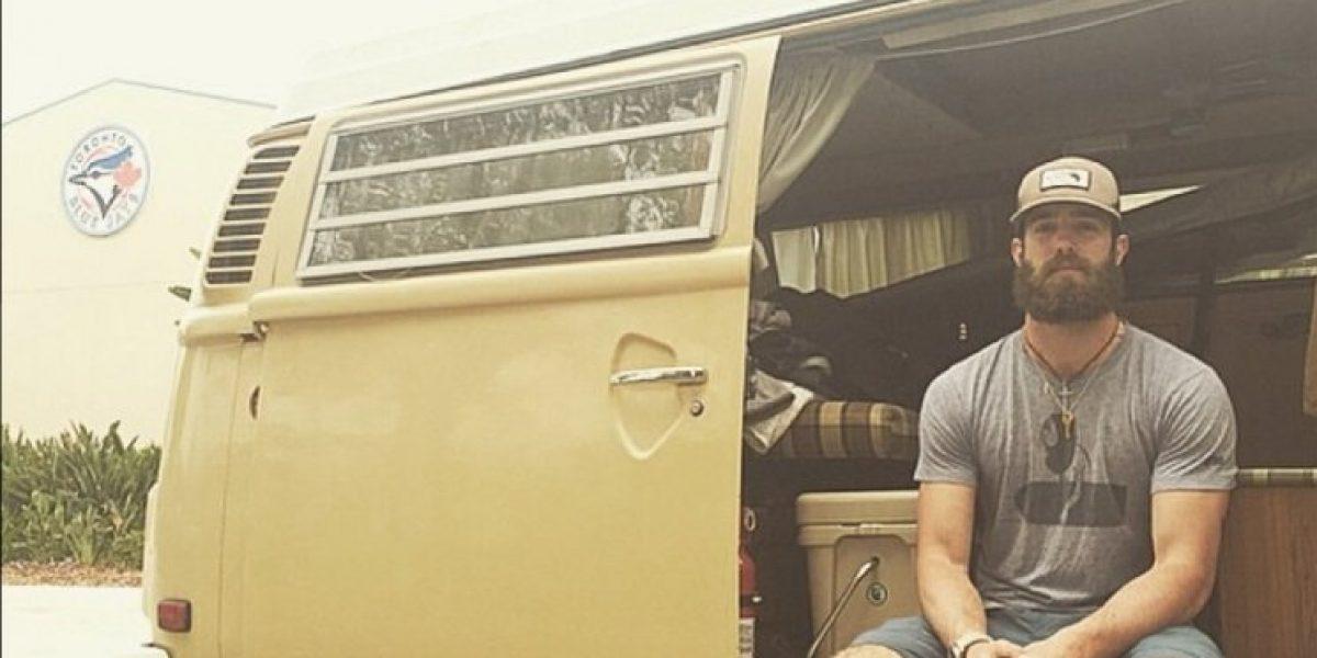 FOTOS: El millonario beisbolista que decidió vivir en un automóvil