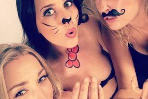 En las siguientes imágenes podrán observar algunas fotos de las chicas australianas que aman la producción y la actuación. Foto:Vía Facebook/sketchshe. Imagen Por: