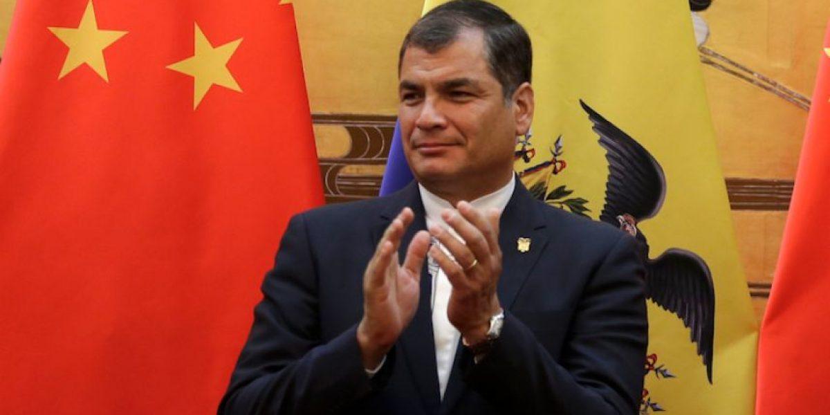 Ecuador pide reunión para discutir