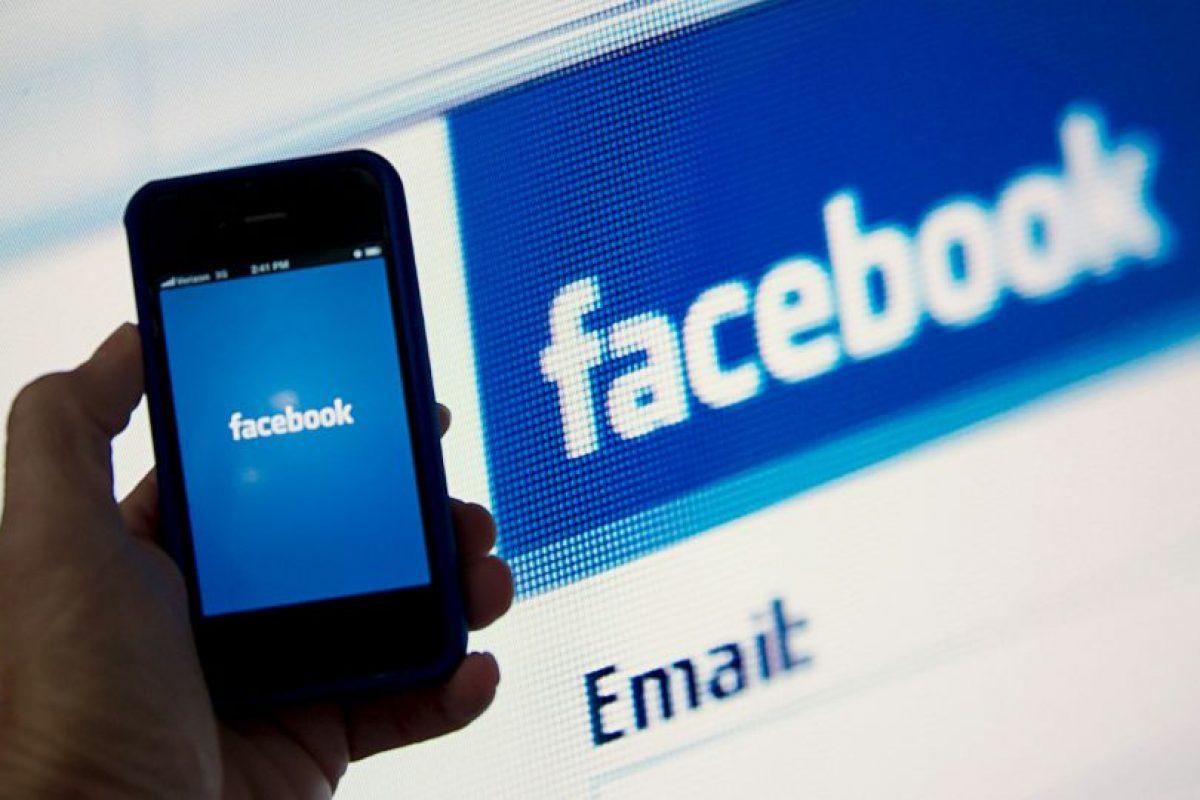 La mayoría de las redes sociales cuenta con su versión para móvil. Foto:Getty Images. Imagen Por: