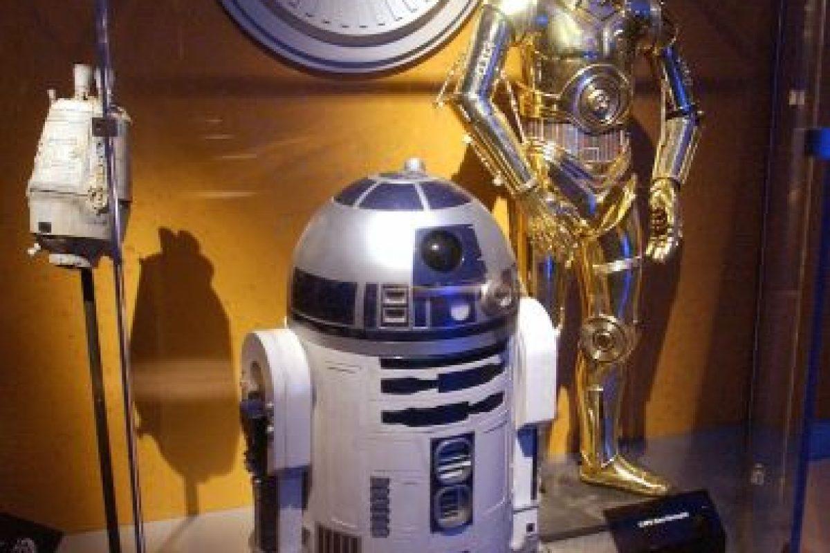 C3PO y R2D2, éstos dos no necesitan presentación. Foto:Getty Images. Imagen Por: