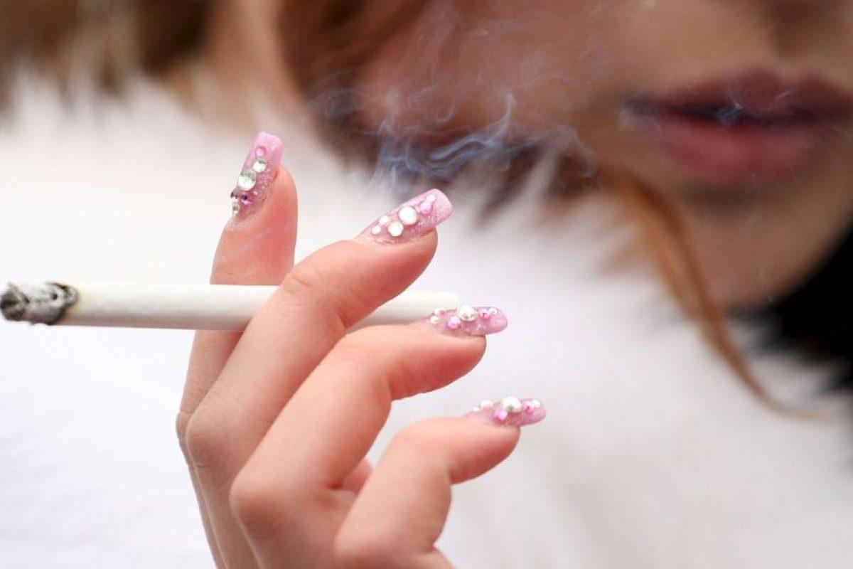 7. Las enfermedades en los dientes y las encías son muy comunes en los fumadores. Foto:Getty. Imagen Por: