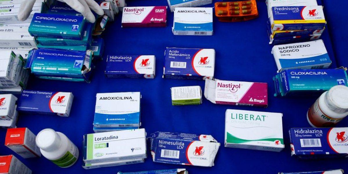 PDI decomisa más de 50 mil dosis de medicamentos que eran comercializados en feria libre de El Bosque