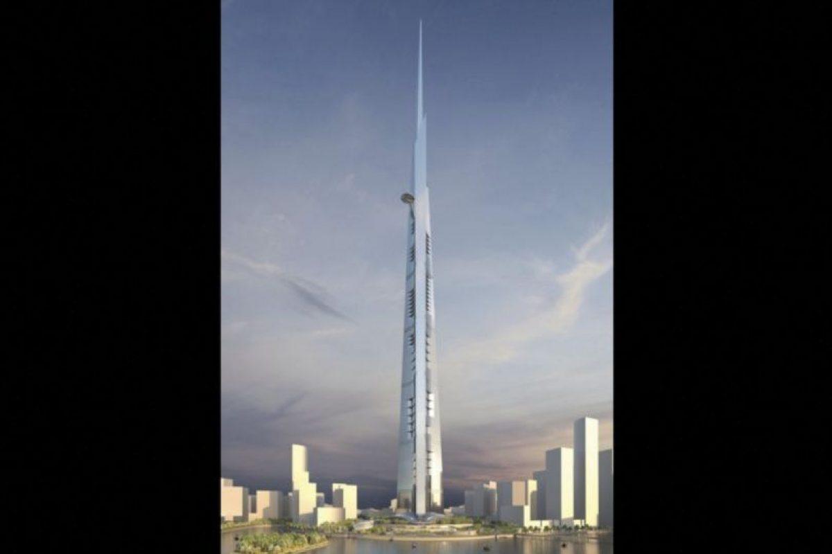 1. Kingdom Tower (Emiratos Árabes Unidos) – 167 pisos – Un kilómetro (3281 pies) de altura Foto:Adrian Smith + Gordon Gill Architecture – Skyscrapercenter.com. Imagen Por: