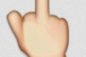 Una seña obscena en los emojis. Foto:Twitter. Imagen Por: