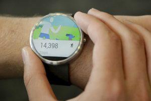 Motorola también entró a la lucha en el mercado de los smartwatches Foto:AP Exchange Photos. Imagen Por: