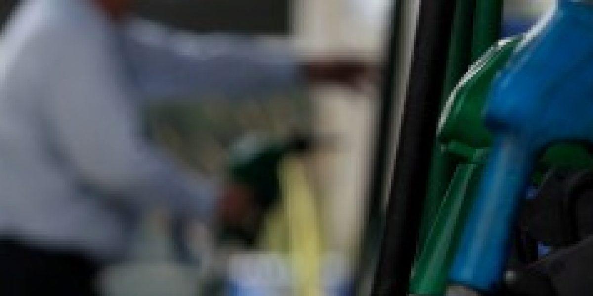 De cinco en cinco: el precio de las bencinas volvería a subir este jueves