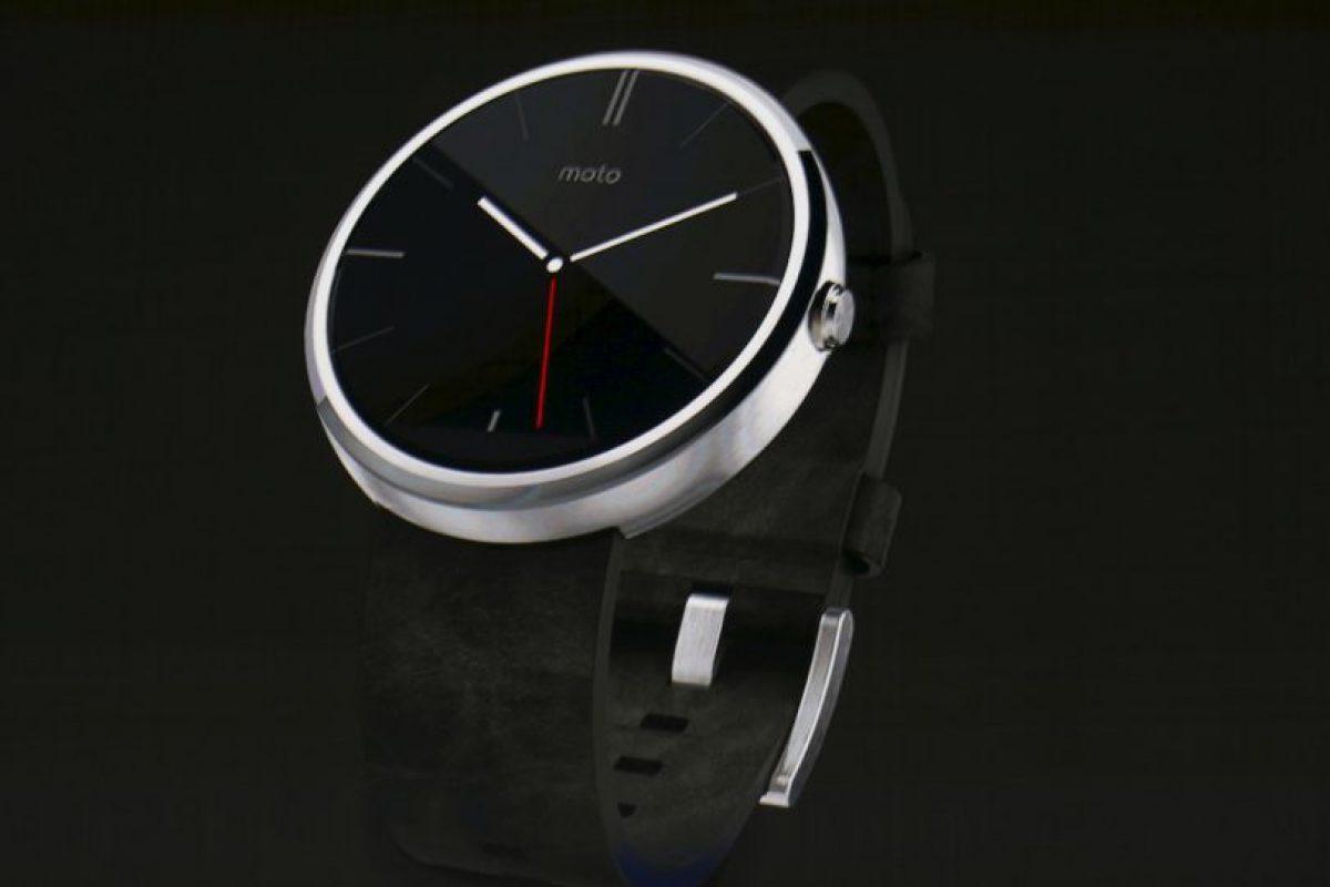 Marcas como Motorola usan el sistema Android Wear, que próximamente tendrá mejoras. Foto:Getty Images. Imagen Por:
