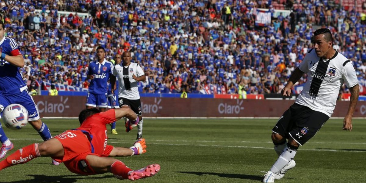 El gol de Esteban Paredes que batió a Johnny Herrera en el Superclásico