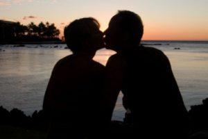 """Podemos notar que al principio los sujetos involucrados no se conocen, surgiendo una serie de fantasías. Es un momento en que surgen múltiples preguntas: """"¿que cosas le gustan?"""", """"¿qué puedo hacer para que se fije en mí?"""", etc. Foto:Tumblr.com/tagged-amor. Imagen Por:"""