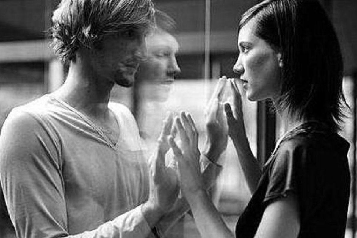 En este sentido, podemos ubicar que al comienzo de una relación el deseo circula alrededor de un no saber respecto al otro, que tiene como efecto la libidinización del contacto. Foto:Tumblr.com/tagged-amor. Imagen Por: