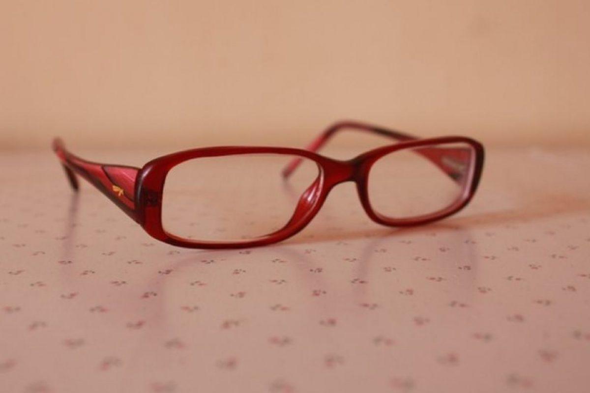 4. El antirreflejante en las gafas es muy necesario, pues ayuda a que los ojos convivan mejor con las luces artificiales y no se esfuercen en enfocar. Foto:Pixabay. Imagen Por: