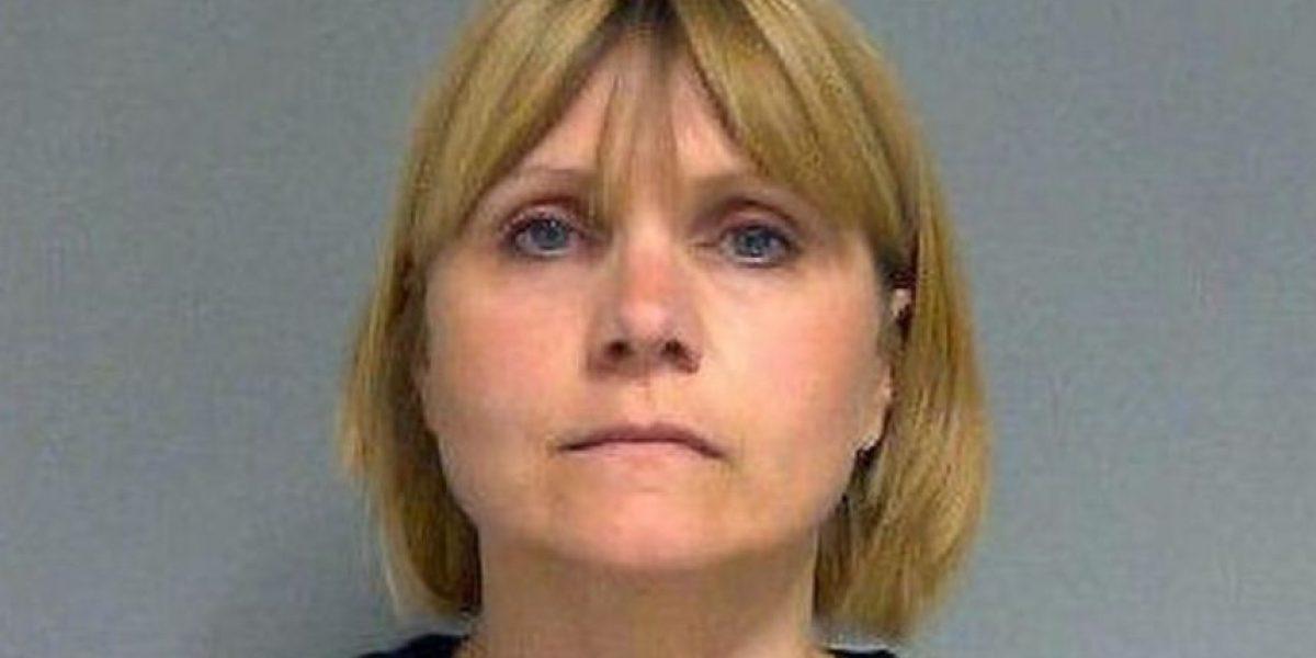 Maestra tuvo sexo con dos de sus alumnos de 15 y 16 años en un salón de clases