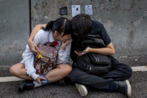 Quienes presenciaron el suceso tomaron fotos en sus smartphones y compartían en SnapChat el suceso Foto:Getty Images. Imagen Por: