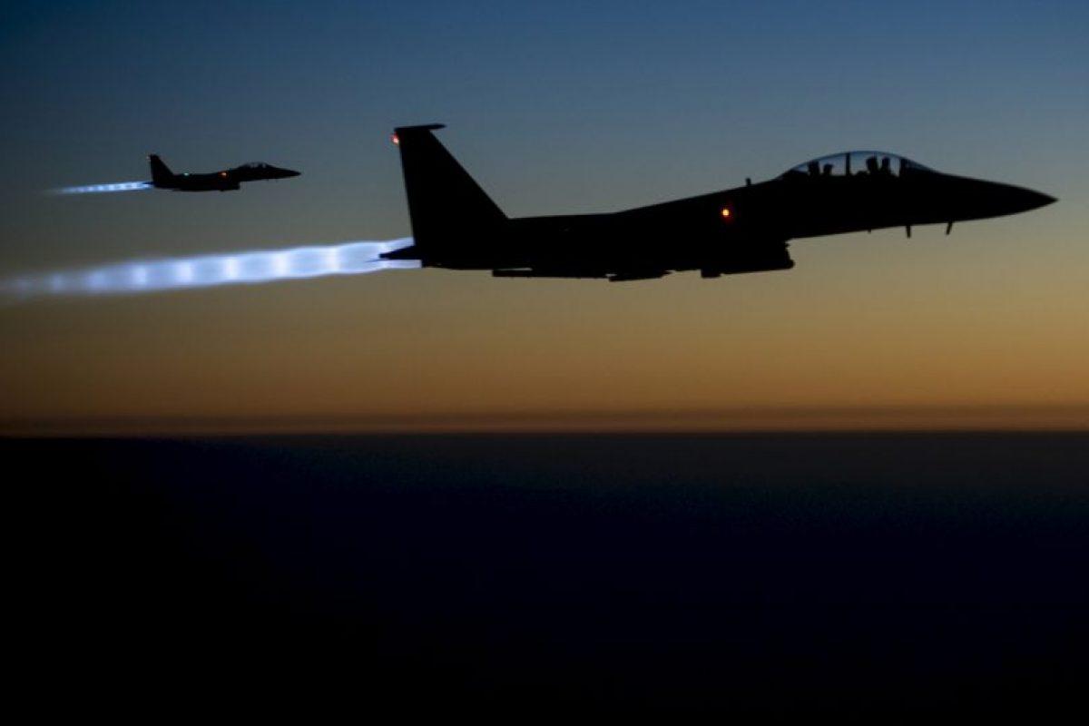 11. El grupo terrorista genera esa cantidad de dinero mediante la venta del petróleo, que estos se apoderaron de varias refinerías en Irak y Siria. Foto:AP. Imagen Por:
