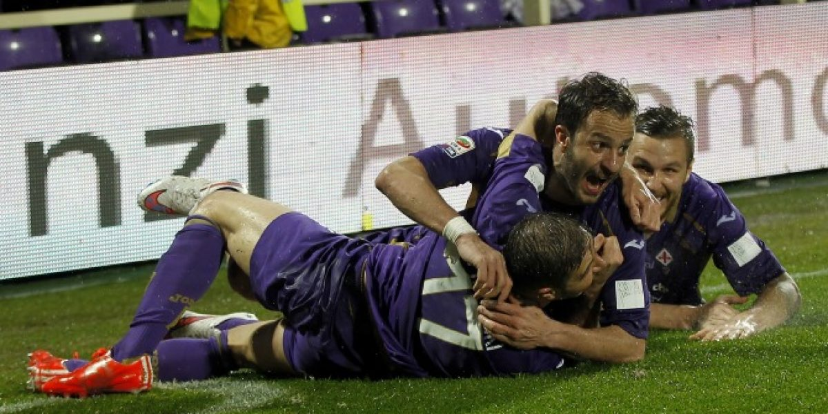 Fiorentina remonta en los últimos minutos ante Milan y se ilusiona con la Champions