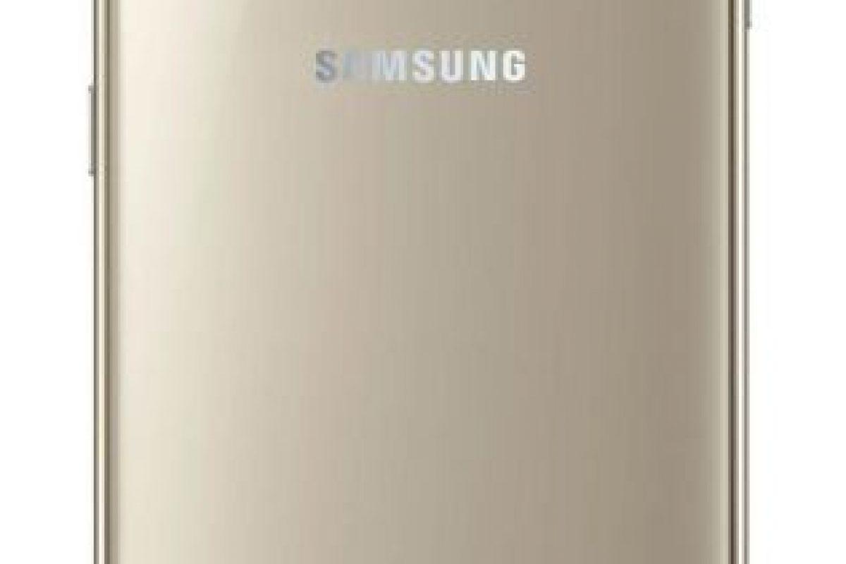 Metal y vidrio son los nuevos materiales del Galaxy S6, dejando atrás el plástico para darle mayor estética y resistencia al dispositivo. Foto:Samsung. Imagen Por: