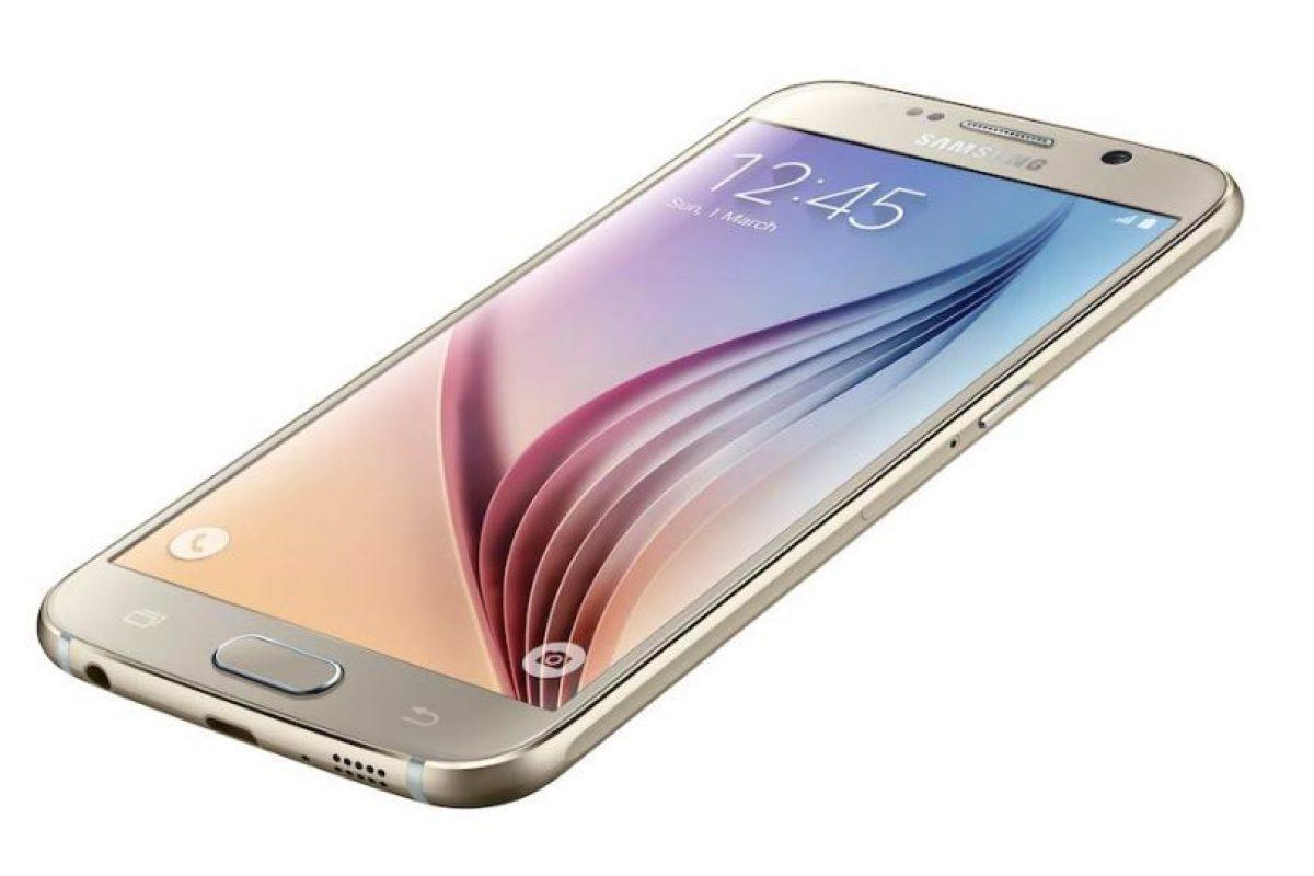 A diferencia de modelos pasados, Samsung Galaxy S6 no incluye ranura de almacenamiento externo y el usuario debe decidir cuánto necesita de memoria interna. Foto:Samsung. Imagen Por: