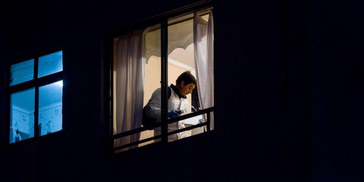 ¿Femicidio o doble homicidio? La PDI investiga la muerte de una mujer y un hombre en Santiago Centro
