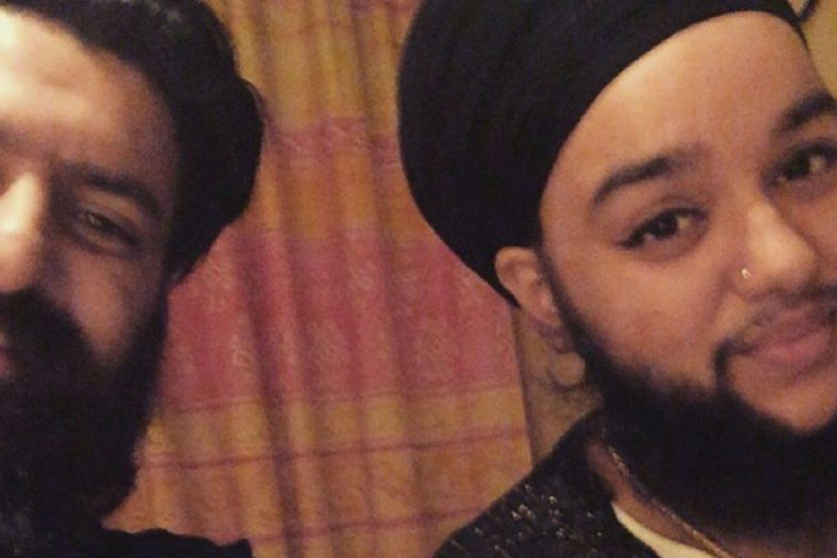 Comenzó a afeitarse, y a recurrir a todos los tratamientos para desaparecerla. Foto:Vía Instagram: @harnaamkaur. Imagen Por: