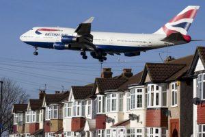 Sucedió el sábado, en un vuelo de Londres a Dubai. El olor de los desperdicios era tan fuerte, que el vuelo se tuvo que devolver. Foto:Getty Images. Imagen Por: