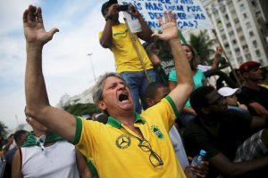 El pasado viernes, se realizó un evento organizado por la CUT (organización de apoyo a los trabajadores) en defensa de Petrobras y los derechos laborales que tuvo presencia significativa de votantes del PT. Foto:Getty Images. Imagen Por: