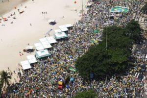 2,2 millones de personas, aproximadamente, de todos los estados brasileños, estuvieron en las calles para protestar en el último domingo Foto:Getty Images. Información: Metro SP. Imagen Por: