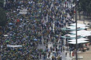 Participantes de ambos los actos están de acuerdo con que la democracia es el mejor sistema político. Foto:Getty Images. Imagen Por: